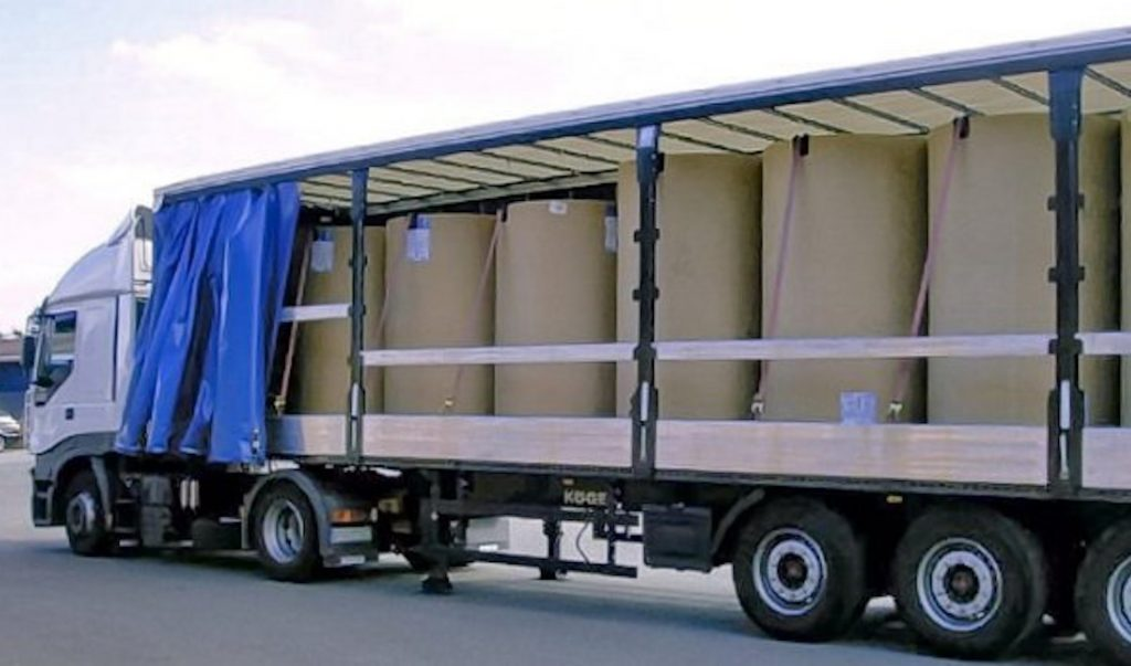 Papierrollen Transport